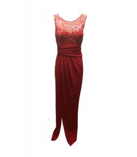 Lang rød kjole med stjerner