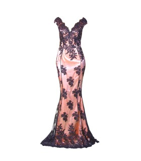 Goddess Stephanie Pratt nude og sort kjole